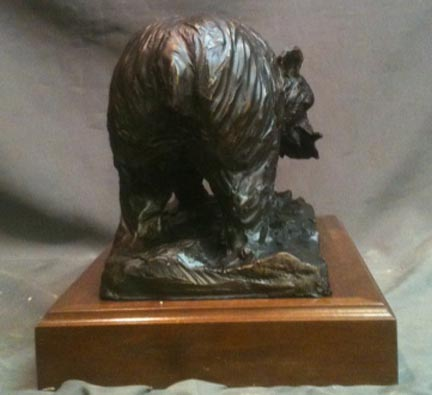 Alaskan Bear with Salmon bronze statue 1