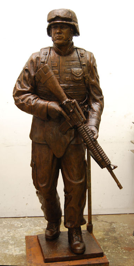 marine us soldier statue modern day marine monument statue. Black Bedroom Furniture Sets. Home Design Ideas